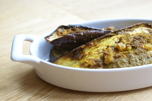 AUBERGINES AU FOUR, AU CURRY ET AU MIEL